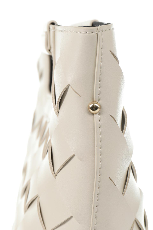 meliebiancoのEllen(Bone)2Way・編み込みハンドバッグ/海外ファッション好きにオススメのインポートバッグとかばん、MelieBianco(メリービアンコ)のバッグやハンドバッグ。可愛い大きさの編み込みハンドバッグ。しっとりとしたプレミアム・ビーガンレザーをメッシュ状に編み込んだ2Wayタイプ。/main-6