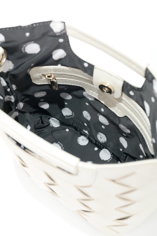 meliebiancoのEllen(Bone)2Way・編み込みハンドバッグ/海外ファッション好きにオススメのインポートバッグとかばん、MelieBianco(メリービアンコ)のバッグやハンドバッグ。可愛い大きさの編み込みハンドバッグ。しっとりとしたプレミアム・ビーガンレザーをメッシュ状に編み込んだ2Wayタイプ。/main-8