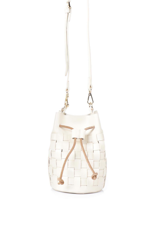 meliebiancoのJody(Bone)編み込み・巾着ミニショルダーバッグ/海外ファッション好きにオススメのインポートバッグとかばん、MelieBianco(メリービアンコ)のバッグやショルダーバッグ。iPhoneと最小限の持ち物だけでお出かけするのにぴったりな巾着バッグ。大きな財布が必要ないキャッシュレス世代にお勧めのコンパクトサイズのショルダーバッグです。
