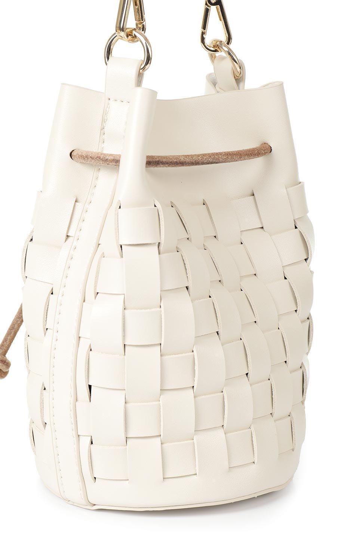 meliebiancoのJody(Bone)編み込み・巾着ミニショルダーバッグ/海外ファッション好きにオススメのインポートバッグとかばん、MelieBianco(メリービアンコ)のバッグやショルダーバッグ。iPhoneと最小限の持ち物だけでお出かけするのにぴったりな巾着バッグ。大きな財布が必要ないキャッシュレス世代にお勧めのコンパクトサイズのショルダーバッグです。/main-8