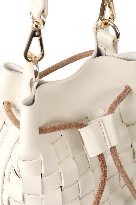 meliebiancoのJody(Bone)編み込み・巾着ミニショルダーバッグ/海外ファッション好きにオススメのインポートバッグとかばん、MelieBianco(メリービアンコ)のバッグやショルダーバッグ。iPhoneと最小限の持ち物だけでお出かけするのにぴったりな巾着バッグ。大きな財布が必要ないキャッシュレス世代にお勧めのコンパクトサイズのショルダーバッグです。/main-9