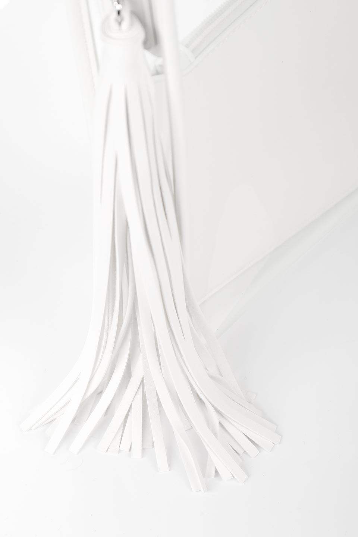 meliebiancoのJaniceLargeClear(White)タッセル付き・ノットストラップクリアバッグ/海外ファッション好きにオススメのインポートバッグとかばん、MelieBianco(メリービアンコ)のバッグやショルダーバッグ。シンプルデザインのジャニスのクリアージョン。昨年から人気継続中のクリアバッグは今期も注目のアイテムです。/main-10