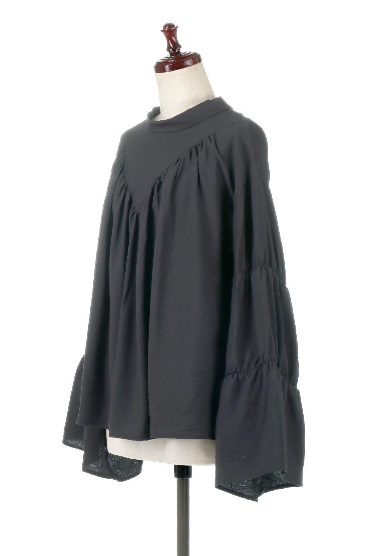 BackRibbonFlareSleeveBlouseフレアスリーブ・バックリボンブラウス大人カジュアルに最適な海外ファッションのothers(その他インポートアイテム)のトップスやシャツ・ブラウス。クレープ素材の透け感が上品なフレアスリーブ・ブラウス。袖と胸元のギャザーから生まれるドレープも素敵なアイテムです。/main-10