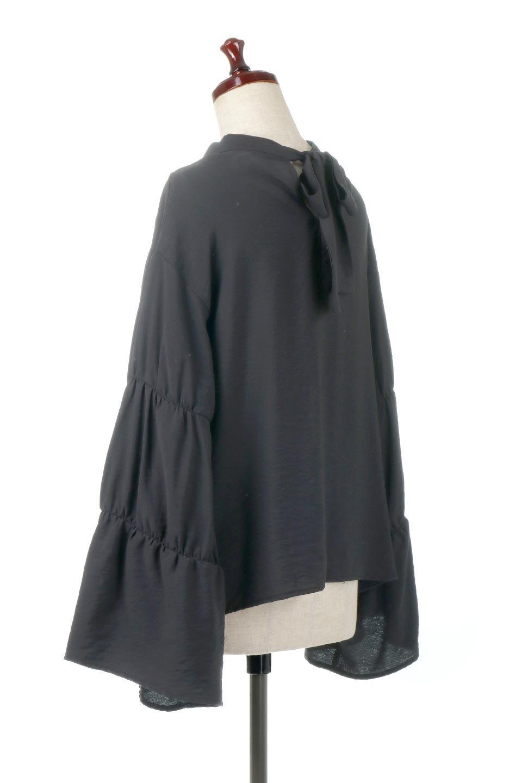 BackRibbonFlareSleeveBlouseフレアスリーブ・バックリボンブラウス大人カジュアルに最適な海外ファッションのothers(その他インポートアイテム)のトップスやシャツ・ブラウス。クレープ素材の透け感が上品なフレアスリーブ・ブラウス。袖と胸元のギャザーから生まれるドレープも素敵なアイテムです。/main-12