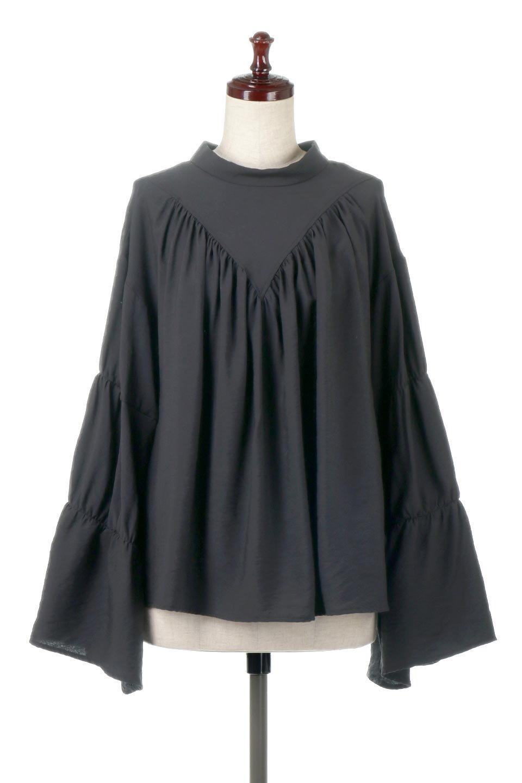 BackRibbonFlareSleeveBlouseフレアスリーブ・バックリボンブラウス大人カジュアルに最適な海外ファッションのothers(その他インポートアイテム)のトップスやシャツ・ブラウス。クレープ素材の透け感が上品なフレアスリーブ・ブラウス。袖と胸元のギャザーから生まれるドレープも素敵なアイテムです。/main-14