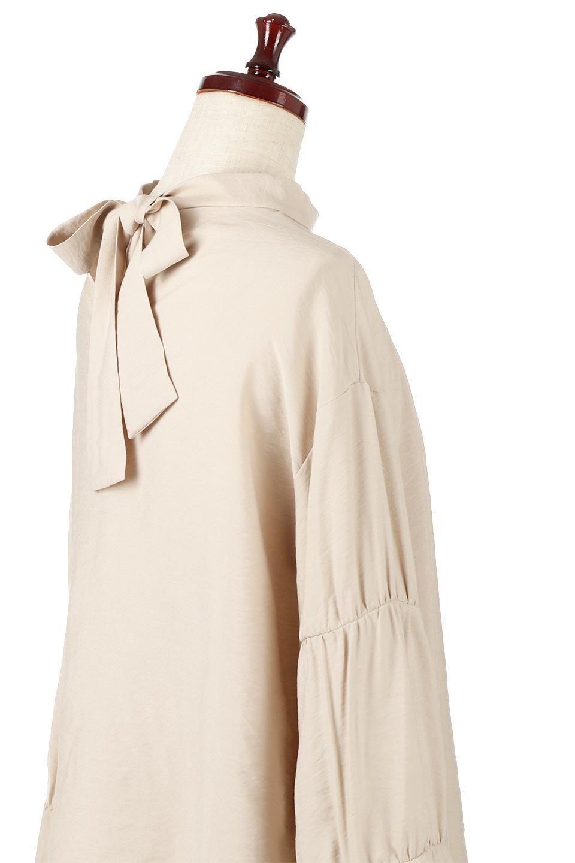 BackRibbonFlareSleeveBlouseフレアスリーブ・バックリボンブラウス大人カジュアルに最適な海外ファッションのothers(その他インポートアイテム)のトップスやシャツ・ブラウス。クレープ素材の透け感が上品なフレアスリーブ・ブラウス。袖と胸元のギャザーから生まれるドレープも素敵なアイテムです。/main-18