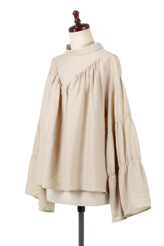 BackRibbonFlareSleeveBlouseフレアスリーブ・バックリボンブラウス大人カジュアルに最適な海外ファッションのothers(その他インポートアイテム)のトップスやシャツ・ブラウス。クレープ素材の透け感が上品なフレアスリーブ・ブラウス。袖と胸元のギャザーから生まれるドレープも素敵なアイテムです。/main-6