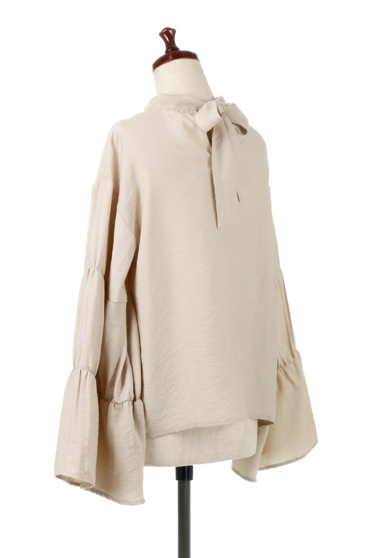 BackRibbonFlareSleeveBlouseフレアスリーブ・バックリボンブラウス大人カジュアルに最適な海外ファッションのothers(その他インポートアイテム)のトップスやシャツ・ブラウス。クレープ素材の透け感が上品なフレアスリーブ・ブラウス。袖と胸元のギャザーから生まれるドレープも素敵なアイテムです。/main-8