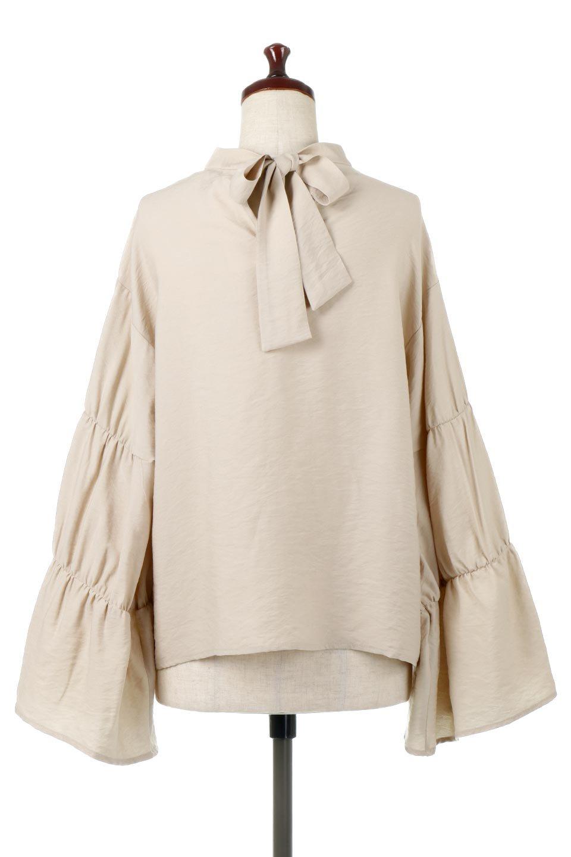 BackRibbonFlareSleeveBlouseフレアスリーブ・バックリボンブラウス大人カジュアルに最適な海外ファッションのothers(その他インポートアイテム)のトップスやシャツ・ブラウス。クレープ素材の透け感が上品なフレアスリーブ・ブラウス。袖と胸元のギャザーから生まれるドレープも素敵なアイテムです。/main-9