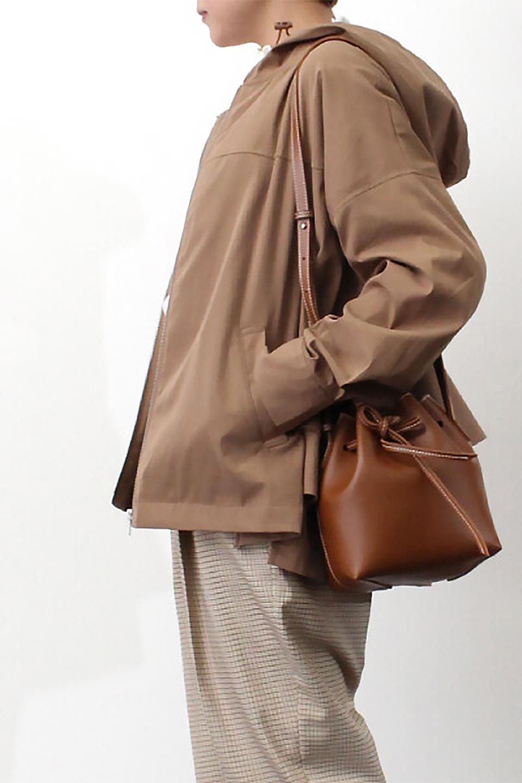 FrilledBackShortMountainParkaバックフリル・ショートマウンテンパーカ大人カジュアルに最適な海外ファッションのothers(その他インポートアイテム)のアウターやジャケット。春にぴったりのショート丈マウンテンパーカ。腰の3段フリルが可愛いカジュアルな春アイテム。/main-25
