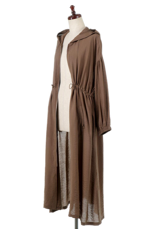 ZipOpenHoodieLongGownフルジップ・フード付きガウンコート大人カジュアルに最適な海外ファッションのothers(その他インポートアイテム)のアウターやコート。春の風が待ち遠しいロング丈のフード付きガウンコート。クラッシュサテンのブラウスのような軽やかな素材感です。/main-11