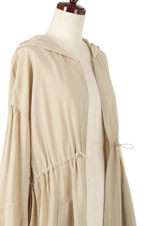 ZipOpenHoodieLongGownフルジップ・フード付きガウンコート大人カジュアルに最適な海外ファッションのothers(その他インポートアイテム)のアウターやコート。春の風が待ち遠しいロング丈のフード付きガウンコート。クラッシュサテンのブラウスのような軽やかな素材感です。/main-15