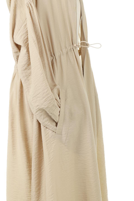ZipOpenHoodieLongGownフルジップ・フード付きガウンコート大人カジュアルに最適な海外ファッションのothers(その他インポートアイテム)のアウターやコート。春の風が待ち遠しいロング丈のフード付きガウンコート。クラッシュサテンのブラウスのような軽やかな素材感です。/main-19