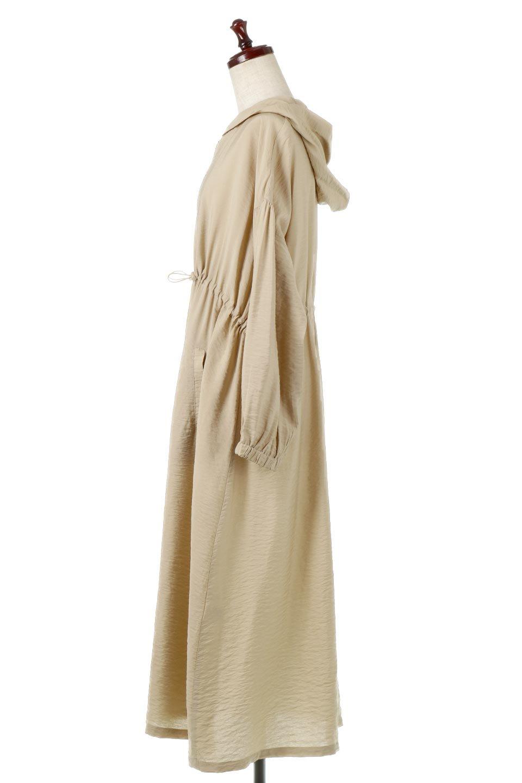ZipOpenHoodieLongGownフルジップ・フード付きガウンコート大人カジュアルに最適な海外ファッションのothers(その他インポートアイテム)のアウターやコート。春の風が待ち遠しいロング丈のフード付きガウンコート。クラッシュサテンのブラウスのような軽やかな素材感です。/main-2