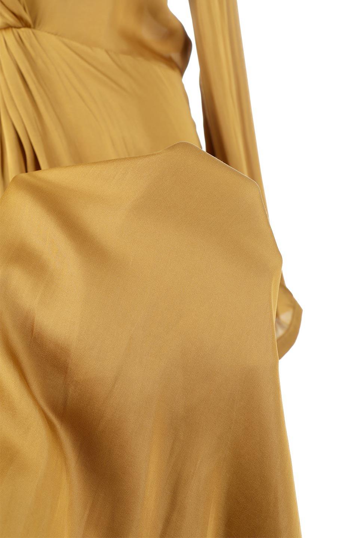 TwistedFrontDetailMaxiDressフロントツイスト・サテンマキシワンピースfromL.A.大人カジュアルに最適な海外ファッションのothers(その他インポートアイテム)のワンピースやマキシワンピース。大人の雰囲気を醸し出すサテンの長袖ワンピース。上品な光沢のサテン地はその場を華やかにしてくれます。/main-16