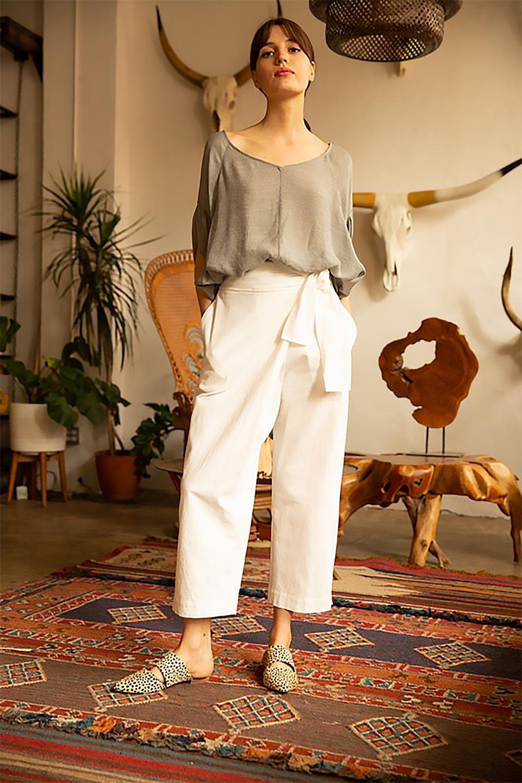 ButterflySleeveCocoonBlouseバタフライスリーブ・コクーンブラウスfromL.A.大人カジュアルに最適な海外ファッションのothers(その他インポートアイテム)のトップスやシャツ・ブラウス。透け感が人気のシアー素材のカジュアルブラウス。ヒラヒラ揺れる袖がとても可愛いデザインです。/main-19
