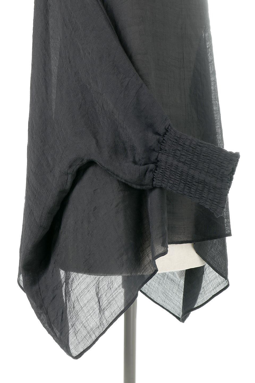 SmockedSleeveWideBlouseドルマンスリーブ・ワイドブラウスfromL.A.大人カジュアルに最適な海外ファッションのothers(その他インポートアイテム)のトップスやシャツ・ブラウス。春夏におススメのシアー素材のドルマンブラウス。カジュアルなシルエットですが、ブラックなら子供っぽくなりません。/main-11