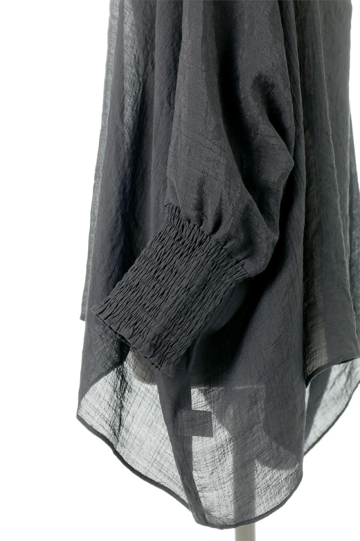 SmockedSleeveWideBlouseドルマンスリーブ・ワイドブラウスfromL.A.大人カジュアルに最適な海外ファッションのothers(その他インポートアイテム)のトップスやシャツ・ブラウス。春夏におススメのシアー素材のドルマンブラウス。カジュアルなシルエットですが、ブラックなら子供っぽくなりません。/main-12