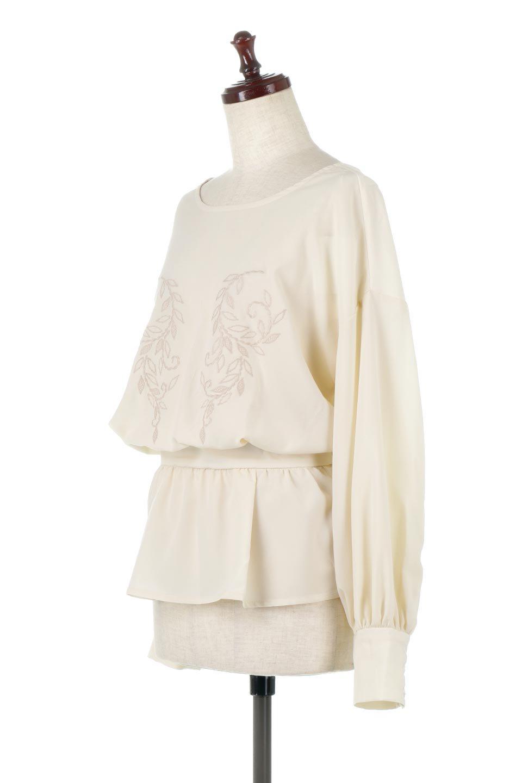 FloralEmbroideredSemiSheerBlouse花柄刺しゅう・セミシアーブラウス大人カジュアルに最適な海外ファッションのothers(その他インポートアイテム)のトップスやシャツ・ブラウス。同色の花柄刺しゅうが可愛いシアーブラウス。ウエストの細見えデザインでパンツやスカートなど、ボトムを選ばず合わせやすいアイテムです。/main-1