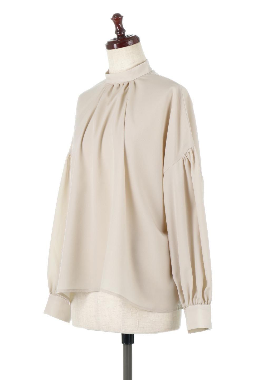 HighNeckGatheredBlouseハイネック・ギャザーブラウス大人カジュアルに最適な海外ファッションのothers(その他インポートアイテム)のトップスやシャツ・ブラウス。春にぴったりのハイネックブラウス。首元のギャザーから伸びるドレープが素敵な長袖ブラウス。/main-11
