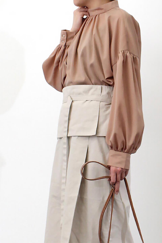 HighNeckGatheredBlouseハイネック・ギャザーブラウス大人カジュアルに最適な海外ファッションのothers(その他インポートアイテム)のトップスやシャツ・ブラウス。春にぴったりのハイネックブラウス。首元のギャザーから伸びるドレープが素敵な長袖ブラウス。/main-27