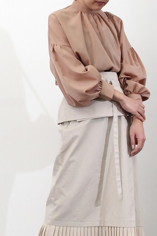 HighNeckGatheredBlouseハイネック・ギャザーブラウス大人カジュアルに最適な海外ファッションのothers(その他インポートアイテム)のトップスやシャツ・ブラウス。春にぴったりのハイネックブラウス。首元のギャザーから伸びるドレープが素敵な長袖ブラウス。/main-28
