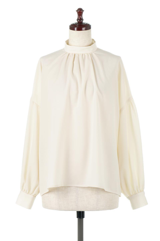 HighNeckGatheredBlouseハイネック・ギャザーブラウス大人カジュアルに最適な海外ファッションのothers(その他インポートアイテム)のトップスやシャツ・ブラウス。春にぴったりのハイネックブラウス。首元のギャザーから伸びるドレープが素敵な長袖ブラウス。/main-5