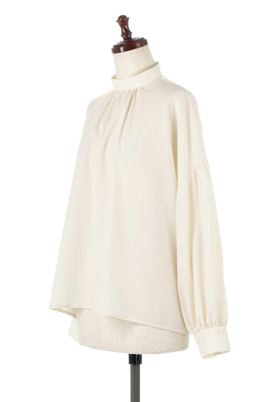 HighNeckGatheredBlouseハイネック・ギャザーブラウス大人カジュアルに最適な海外ファッションのothers(その他インポートアイテム)のトップスやシャツ・ブラウス。春にぴったりのハイネックブラウス。首元のギャザーから伸びるドレープが素敵な長袖ブラウス。/main-6