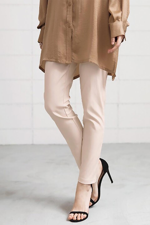 Hi-StretchTuckedPantsハイストレッチ・美脚パンツ大人カジュアルに最適な海外ファッションのothers(その他インポートアイテム)のボトムやパンツ。大人気のストレッチ美脚パンツが素材を新たに新入荷。驚きの履き心地を実現、リピート確実の超おすすめパンツ。/main-24