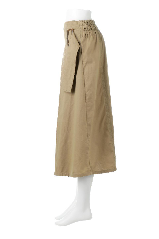PleatedPanelFlareSkirtプリーツ切り替え・フレアスカート大人カジュアルに最適な海外ファッションのothers(その他インポートアイテム)のボトムやスカート。タックの合間からプリーツが覗く、アシメデザインのフレアスカート。左右で深さの違うタックとプリーツの切り替えがアクセント。/main-2