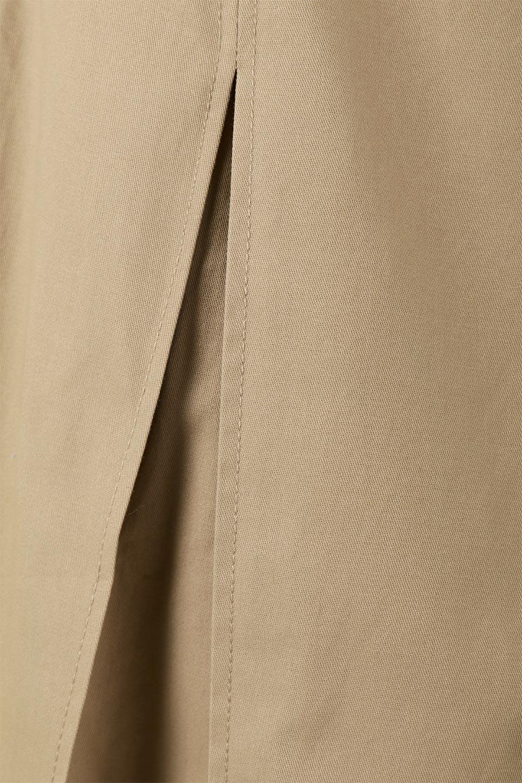 PleatedPanelFlareSkirtプリーツ切り替え・フレアスカート大人カジュアルに最適な海外ファッションのothers(その他インポートアイテム)のボトムやスカート。タックの合間からプリーツが覗く、アシメデザインのフレアスカート。左右で深さの違うタックとプリーツの切り替えがアクセント。/main-20
