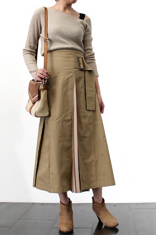 PleatedPanelFlareSkirtプリーツ切り替え・フレアスカート大人カジュアルに最適な海外ファッションのothers(その他インポートアイテム)のボトムやスカート。タックの合間からプリーツが覗く、アシメデザインのフレアスカート。左右で深さの違うタックとプリーツの切り替えがアクセント。/main-25