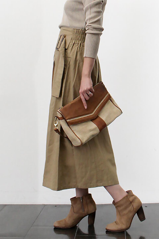 PleatedPanelFlareSkirtプリーツ切り替え・フレアスカート大人カジュアルに最適な海外ファッションのothers(その他インポートアイテム)のボトムやスカート。タックの合間からプリーツが覗く、アシメデザインのフレアスカート。左右で深さの違うタックとプリーツの切り替えがアクセント。/main-26