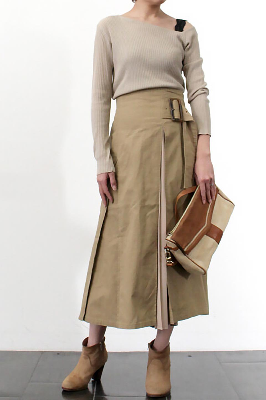 PleatedPanelFlareSkirtプリーツ切り替え・フレアスカート大人カジュアルに最適な海外ファッションのothers(その他インポートアイテム)のボトムやスカート。タックの合間からプリーツが覗く、アシメデザインのフレアスカート。左右で深さの違うタックとプリーツの切り替えがアクセント。/main-27