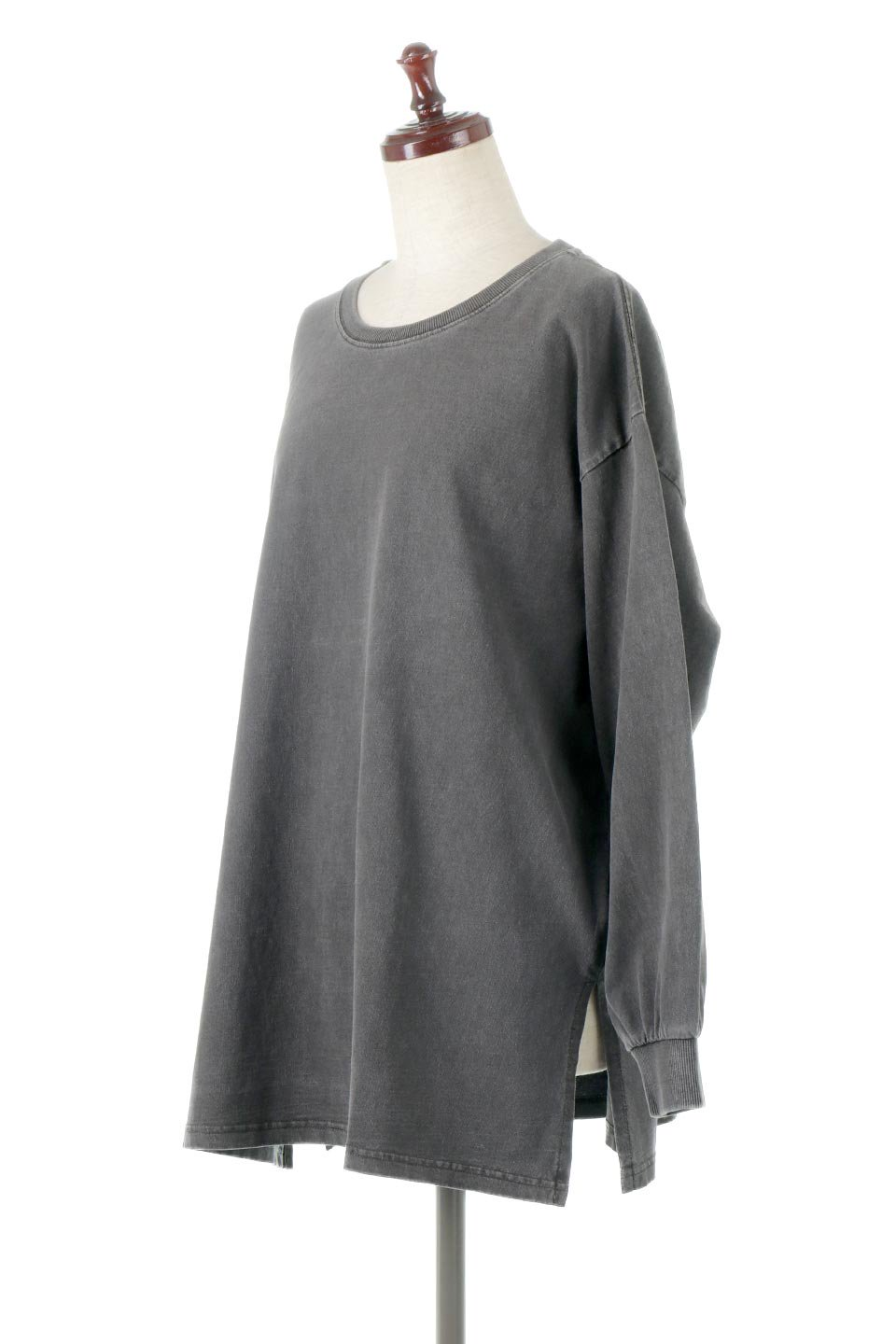 SideSlitLongSleeveBigTeeサイドスリット・ビッグロンT大人カジュアルに最適な海外ファッションのothers(その他インポートアイテム)のトップスやカットソー。ヘビーウエイトでルーズ&ビッグなロンT。普通のTシャツよりも肉厚で、しっかりした素材を使用しています。/main-1