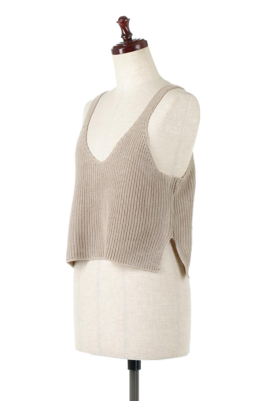 SideSlitKnitCamisoleサイドスリット・ニットキャミソール大人カジュアルに最適な海外ファッションのothers(その他インポートアイテム)のトップスやニット・セーター。ミニマルなデザインが可愛いニットのキャミソール。風通しの良い肩畦編みで夏まで楽しめるアイテムです。/main-6