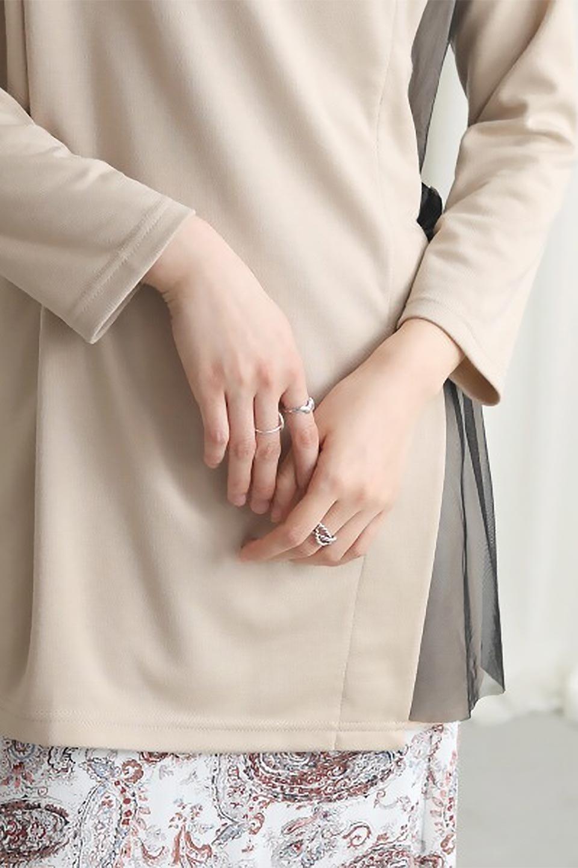 SideTullePullOverTopサイドチュール・プルオーバー大人カジュアルに最適な海外ファッションのothers(その他インポートアイテム)のトップスやカットソー。柔らかい風合いのチュールレースがアクセントのプルオーバートップス。丈も少し長めな所も今年のトレンドを意識したデザインで人気のアイテムです。/main-26