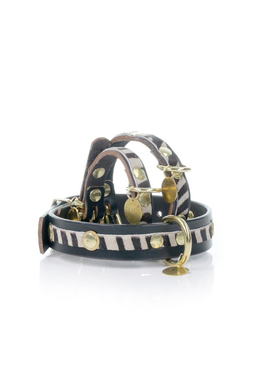 LowlandsCOUTUREのBlackBeyondブラックビヨンド・本革ドッグカラー/LowlandsCoutureのドッググッズや首輪。ブラックを基調としたシックなフルレザーのドッグカラー。黒のレザーに黒のゼブラ柄のハラコを組み合わせたクールな首輪。