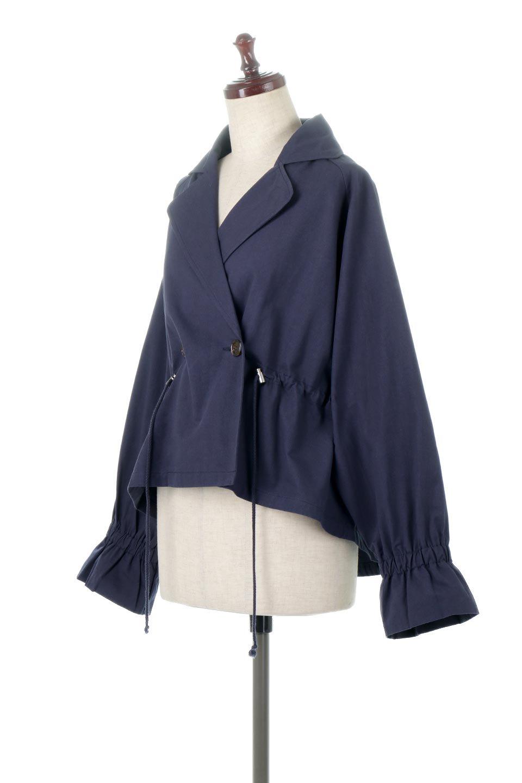 WaistTieShortTrenchJacketウエストドロスト・ショートトレンチ大人カジュアルに最適な海外ファッションのothers(その他インポートアイテム)のトップスやシャツ・ブラウス。ボリューミーな袖とコンパクトな丈感が好バランスなデザインのショートトレンチジャケット。肩線を落としたショルダーや抜き襟でゆったり羽織れるラフなシルエットが今年顔。/main-11