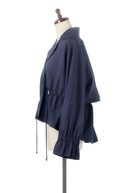 WaistTieShortTrenchJacketウエストドロスト・ショートトレンチ大人カジュアルに最適な海外ファッションのothers(その他インポートアイテム)のトップスやシャツ・ブラウス。ボリューミーな袖とコンパクトな丈感が好バランスなデザインのショートトレンチジャケット。肩線を落としたショルダーや抜き襟でゆったり羽織れるラフなシルエットが今年顔。/main-12