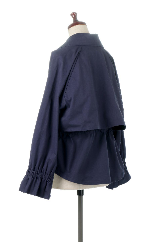 WaistTieShortTrenchJacketウエストドロスト・ショートトレンチ大人カジュアルに最適な海外ファッションのothers(その他インポートアイテム)のトップスやシャツ・ブラウス。ボリューミーな袖とコンパクトな丈感が好バランスなデザインのショートトレンチジャケット。肩線を落としたショルダーや抜き襟でゆったり羽織れるラフなシルエットが今年顔。/main-13