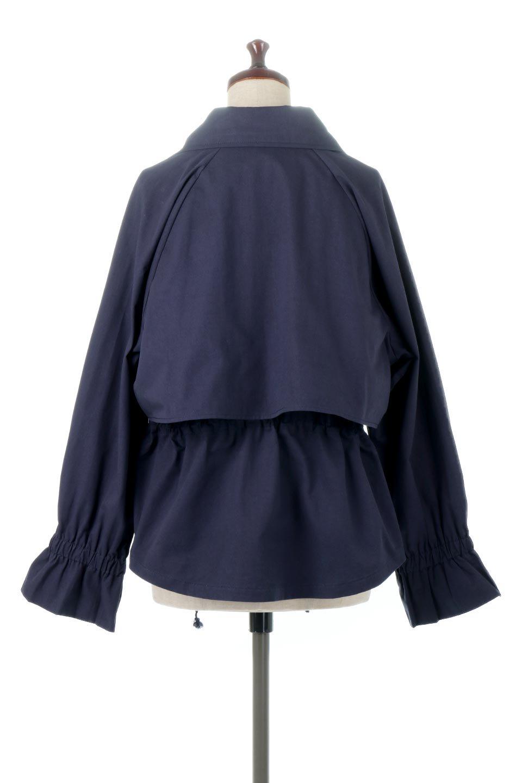 WaistTieShortTrenchJacketウエストドロスト・ショートトレンチ大人カジュアルに最適な海外ファッションのothers(その他インポートアイテム)のトップスやシャツ・ブラウス。ボリューミーな袖とコンパクトな丈感が好バランスなデザインのショートトレンチジャケット。肩線を落としたショルダーや抜き襟でゆったり羽織れるラフなシルエットが今年顔。/main-14