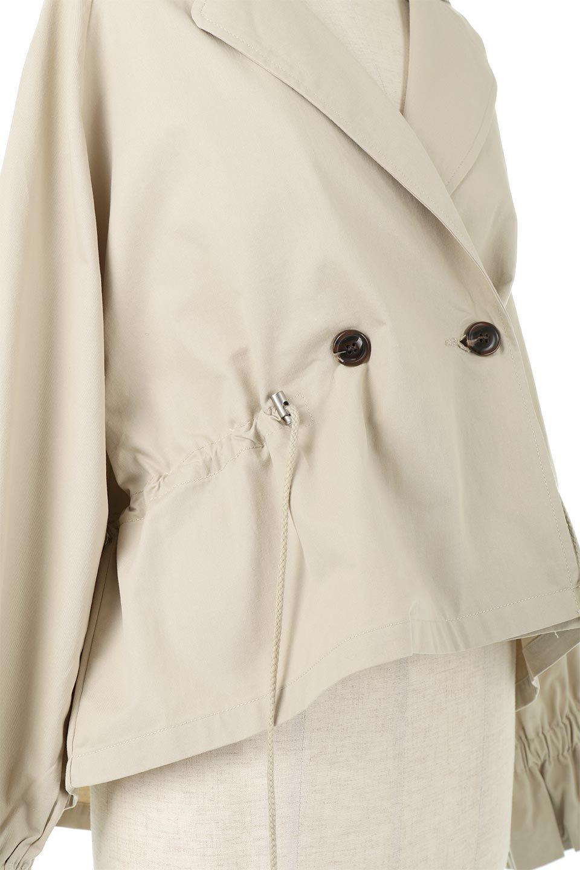 WaistTieShortTrenchJacketウエストドロスト・ショートトレンチ大人カジュアルに最適な海外ファッションのothers(その他インポートアイテム)のトップスやシャツ・ブラウス。ボリューミーな袖とコンパクトな丈感が好バランスなデザインのショートトレンチジャケット。肩線を落としたショルダーや抜き襟でゆったり羽織れるラフなシルエットが今年顔。/main-19