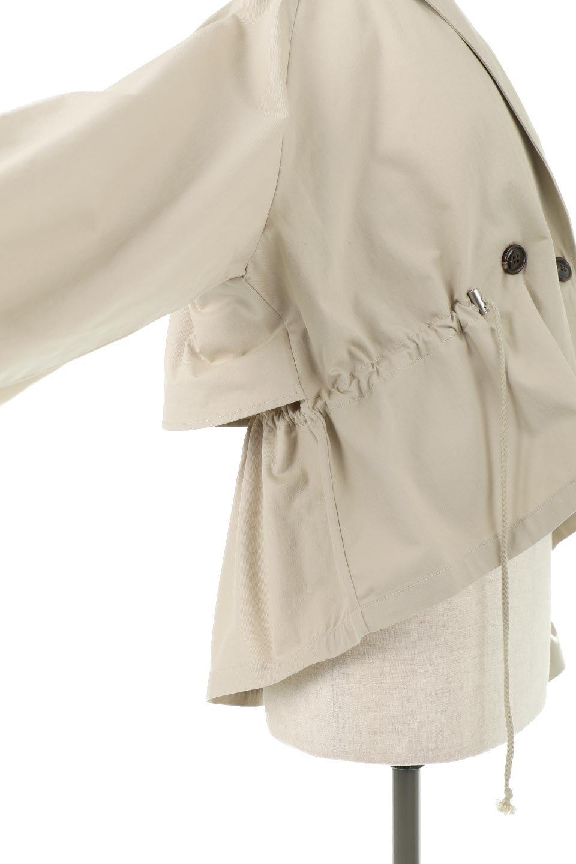 WaistTieShortTrenchJacketウエストドロスト・ショートトレンチ大人カジュアルに最適な海外ファッションのothers(その他インポートアイテム)のトップスやシャツ・ブラウス。ボリューミーな袖とコンパクトな丈感が好バランスなデザインのショートトレンチジャケット。肩線を落としたショルダーや抜き襟でゆったり羽織れるラフなシルエットが今年顔。/main-23