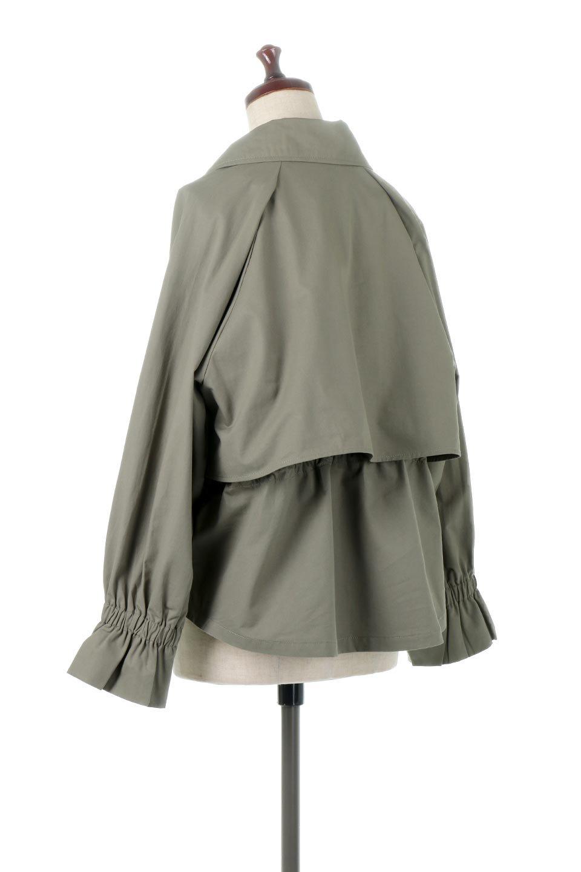 WaistTieShortTrenchJacketウエストドロスト・ショートトレンチ大人カジュアルに最適な海外ファッションのothers(その他インポートアイテム)のトップスやシャツ・ブラウス。ボリューミーな袖とコンパクトな丈感が好バランスなデザインのショートトレンチジャケット。肩線を落としたショルダーや抜き襟でゆったり羽織れるラフなシルエットが今年顔。/main-3