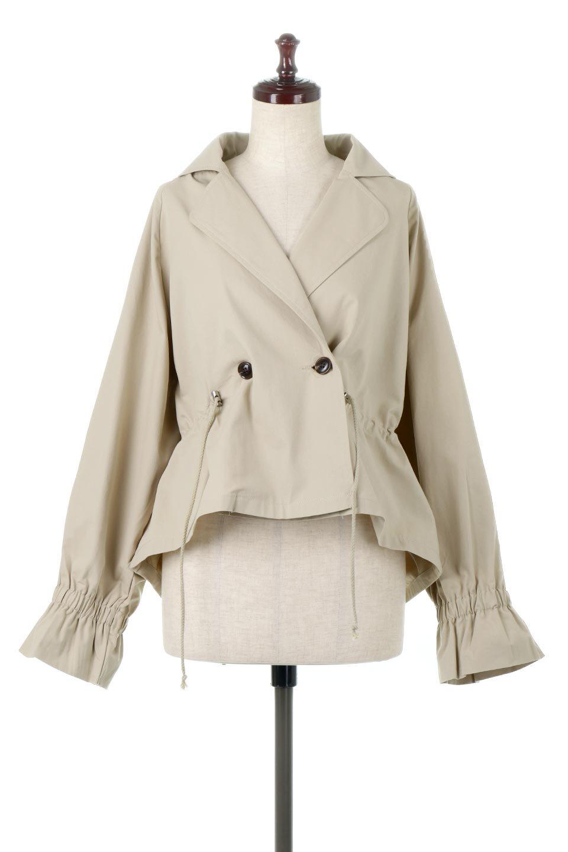 WaistTieShortTrenchJacketウエストドロスト・ショートトレンチ大人カジュアルに最適な海外ファッションのothers(その他インポートアイテム)のトップスやシャツ・ブラウス。ボリューミーな袖とコンパクトな丈感が好バランスなデザインのショートトレンチジャケット。肩線を落としたショルダーや抜き襟でゆったり羽織れるラフなシルエットが今年顔。/main-5