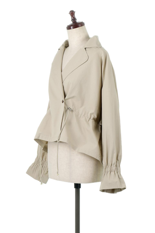 WaistTieShortTrenchJacketウエストドロスト・ショートトレンチ大人カジュアルに最適な海外ファッションのothers(その他インポートアイテム)のトップスやシャツ・ブラウス。ボリューミーな袖とコンパクトな丈感が好バランスなデザインのショートトレンチジャケット。肩線を落としたショルダーや抜き襟でゆったり羽織れるラフなシルエットが今年顔。/main-6