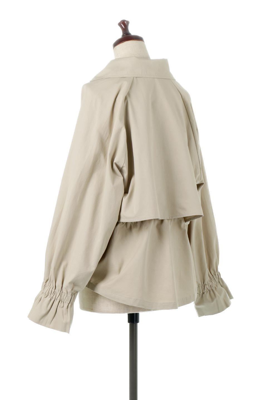 WaistTieShortTrenchJacketウエストドロスト・ショートトレンチ大人カジュアルに最適な海外ファッションのothers(その他インポートアイテム)のトップスやシャツ・ブラウス。ボリューミーな袖とコンパクトな丈感が好バランスなデザインのショートトレンチジャケット。肩線を落としたショルダーや抜き襟でゆったり羽織れるラフなシルエットが今年顔。/main-8