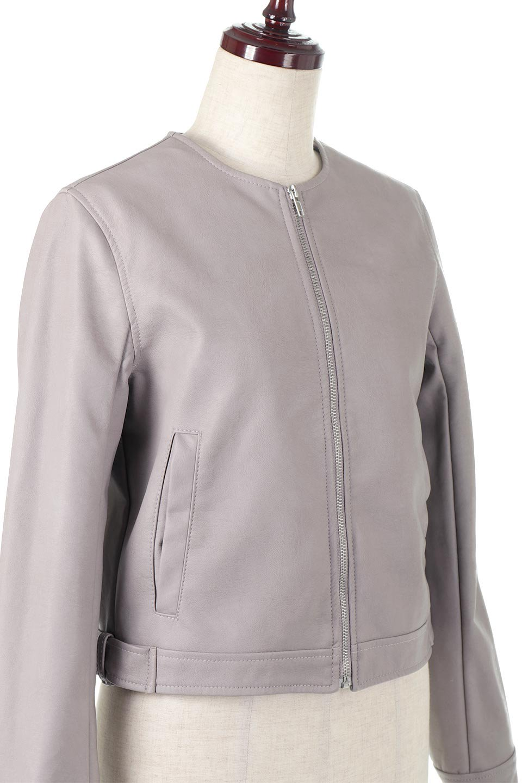 EcoLeatherCollarlessBikerJacketエコレザー・ノーカラーライダースジャケット大人カジュアルに最適な海外ファッションのothers(その他インポートアイテム)のアウターやジャケット。ノーカラーで春でもすっきり着こなせるシンプルなライダースジャケット。ワンピース、スカートなど様々なアイテムとのコーデが楽しめるオールラウンドなアウターです。/main-10