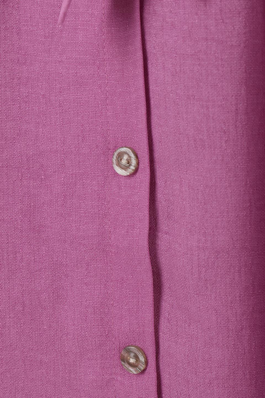 FrontButtonFlareSkirtフロントボタン・フレアスカート大人カジュアルに最適な海外ファッションのothers(その他インポートアイテム)のボトムやスカート。さらっとした素材感でシルエットがキレイなフレアスカートフロントに並ぶ小さなボタンが可愛いフレアスカート。柔らかすぎない生地感で、動くたびにしっかりときれいなシルエットが保てるようになっています。/main-14